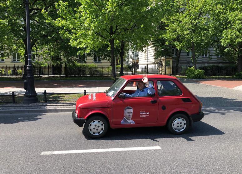 1 maja- spotkanie z Wyborcami przy pl. Hallera, w ZOO i Łazienkach Królewskich.